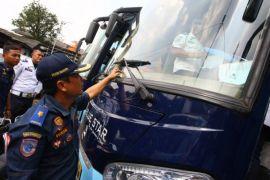 Polisi amankan tiga bus tak laik operasi buat angkutan mudik