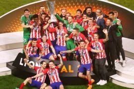 """UEFA dakwa Atletico atas """"perilaku rasis"""" dan kembang api"""