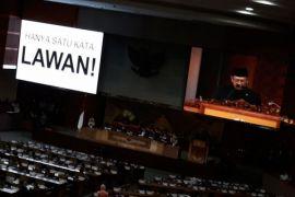 Ketua DPR tunjukkan keprihatinan dengan pakaian serba hitam