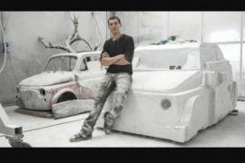 Seniman Italia buat patung Fiat 500 dari marmer