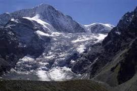 Pesawat kedua jatuh di Pegunungan Alpen Swiss pada Sabtu