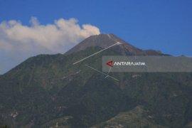 160 Pendaki Gunung Merapi Turun Dari Puncak