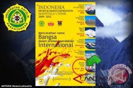 Pendaki perempuan Indonesia capai puncak Everest