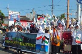 Massa PKS Jember Gelar Aksi Damai Bela Palestina