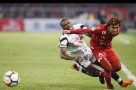 Madura United berhasil taklukkan Persija  2-0