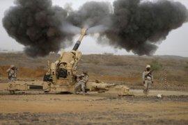 Arab saudi cegat rudal yang ditembakkan Al-Houthi  ke kota perbatasan