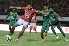 Pendukung kecewa setelah Bali United kalah