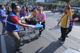 Ratusan warga donorkan darah untuk korban ledakan