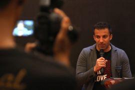 Del Piero menyemangati warga Sinabung