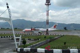 Penerbangan di Bandara Rembele kembali normal