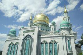 Mencari-cari Salah di kerumunan jemaah sholat Jumat