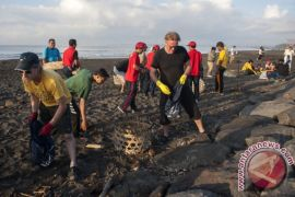 Nelayan Sumbar diminta ikut jaga kebersihan laut
