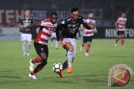 Bali United tahan imbang Madura United 2-2