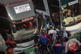 58.807 penumpang tiba di Kampung Rambutan