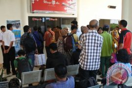 Bandara Jember-Banyuwangi kembali terdampak abu Gunung Agung