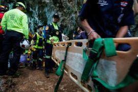 Thailand lanjutkan pencarian tim sepakbola yang terjebak dalam gua
