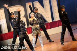 Bodyguard Ugal-Ugalan Film Komedi Penuh Manja Syahrini