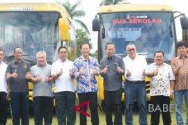 Pemprov Babel terima 11 bus sekolah CSR