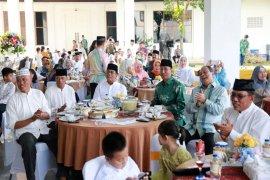 Pjs. Gubernur Lampung Menggelar 'Open House' Di Mahan Agung