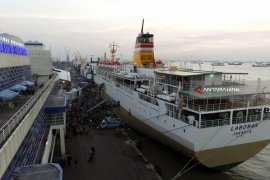Mudik Pelabuhan Tanjung Perak Surabaya