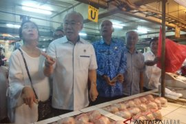 Mendag pastikan bahan pokok di Bandung stabil