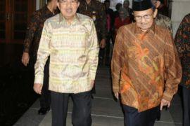 Jusuf Kalla silaturahmi ke BJ Habibie