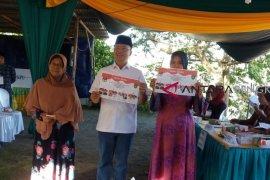 Gubernur berikan suara di Pilkada Kota Bengkulu