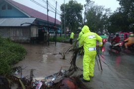 Kapolda tinjau posko banjir di kawasan Ahuru