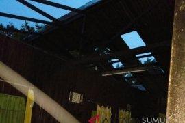 37 rumah diterpa angin puting beliung