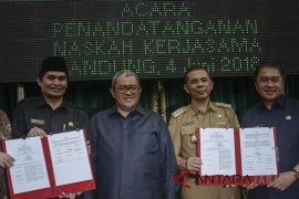Pemprov Jabar teken kerja sama MoU pembangunan LRT Bandung Raya