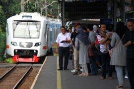 Uji Coba Kereta Bandara Di Stasiun Bakasi