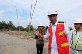 Presiden Jokowi ulang tahun, warganet ucapkan #HBDJokowiKerjaPakaiHati