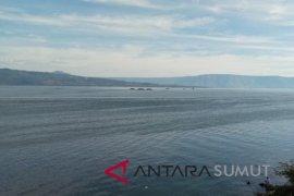Walhi : pemerintah perlu tertibkan keramba Danau Toba
