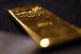 Harga emas ditutup lebih rendah di tengah penguatan dolar dan ekuitas As