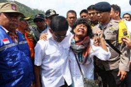 Mensos sampaikan pesan Presiden Jokowi ke korban kapal tenggelam di Toba