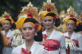 Ratusan seniman Denpasar meriahkan pawai PKB ke-40