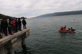 Camat diinstruksikan pantau pinggiran Danau Toba