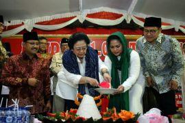 Megawati: hargai Soekarno dengan dukung cucunya