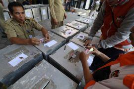 KPU Inhil distribusikan logistik pilkada