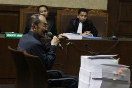 Fredrich menuduh jaksa mencoba mengubah konstitusi