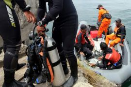 Tim temukan helm dan sandal korban KM Sinar Bangun di Danau Toba
