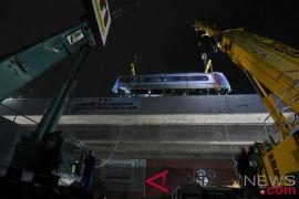 Anies tinjau uji operasi LRT Jakarta