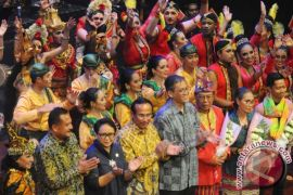 Penambahan kosakata Kamus Bahasa Indonesia lamban