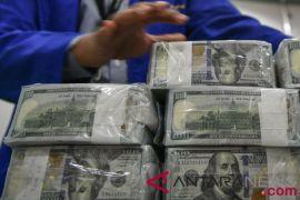 Dolar AS menguat setelah dilanda aksi jual