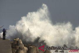 BMKG: Waspada angin kencang dan gelombang tinggi di sejumlah wilayah