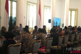 Presiden menerima para wali kota di Istana Bogor