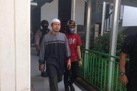 Zainal Anshori serukan takbir setelah JAD dibubarkan
