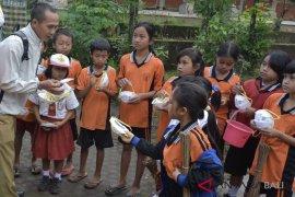 Ditinggal murid mengungsi, sekolah di Karangasem sepi