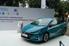 Toyota sediakan 12 Prius untuk penelitian mobil listrik pemerintah
