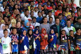 Presiden Jokowi bersilaturahim dengan pegiat panahan